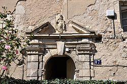 Immeuble, 17 quai Clemenceau, La Charité sur Loire Detail porte 01.jpg