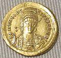 Impero d'oriente, teodosio II, solido in oro (costantinopoli), 439-450.JPG