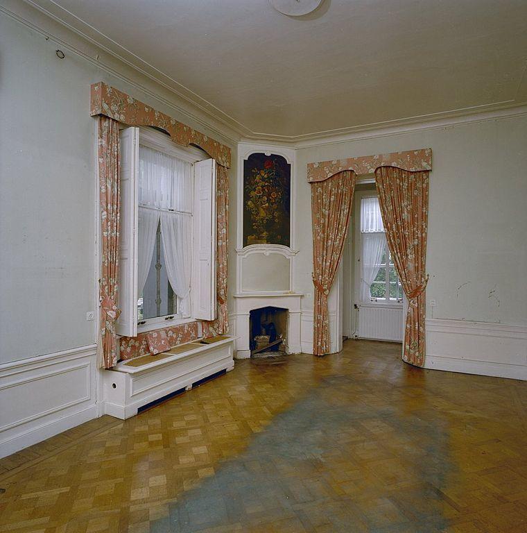 File interieur eerste verdieping kamer met parketvloer for Kamer interieur