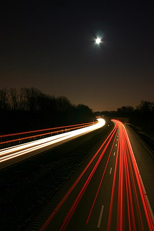 English: Streaking Lights on I-64. Long Exposu...