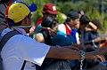 Jóvenes encadenados en Altamira, 2014 Dic 21 (16084214085).jpg