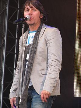 Jan Dulles tijdens het Votown All Stars concert in Volendam