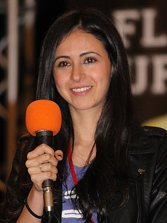 The Buzz on Maggie - Newcomer Jessica DiCicco provided the voice of Maggie.
