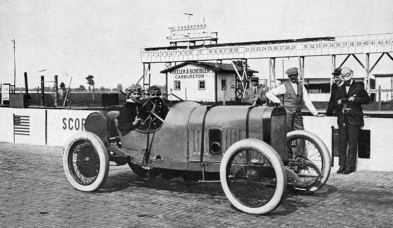 File:Jules Goux au départ d'Indianapolis 500 en 1913.jpg