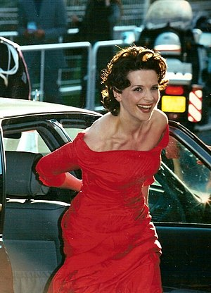 Juliette Binoche - Binoche at the 2000 Cannes Film Festival