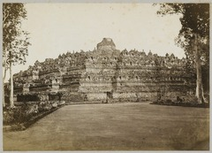 KITLV 12213 - Kassian Céphas - Borobudur near Magelang, from the northwest - 1872.tif