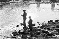 Kalastajia Halisissa vuonna 1975.jpg