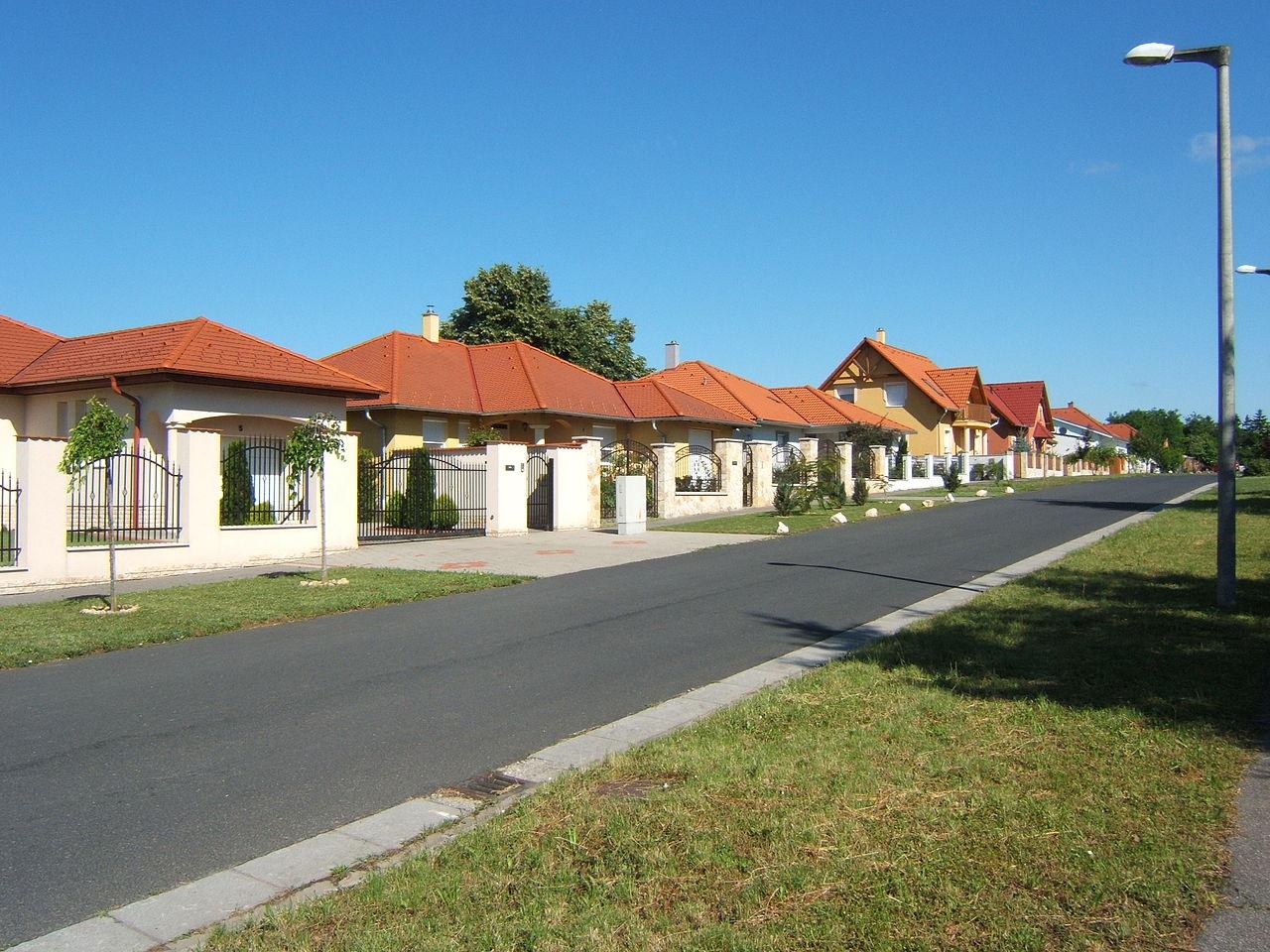Fájl:Kaposvár, Tüskevár egy új utcája.JPG – Wikipédia