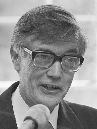 Kenneth Murray (biologist) - Kenneth Murray (1983)