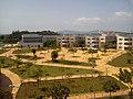 Khuôn viên trường Phổ thông Trung học Lê Quý Đôn, thành phố Vũng Tàu.jpg