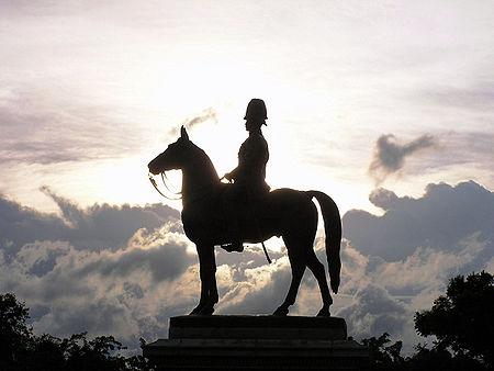 พระบรมราชานุสาวรีย์ พระบาทสมเด็จพระจุลจอมเกล้าเจ้าอยู่หัว หรือ พระบรมรูปทรงม้า