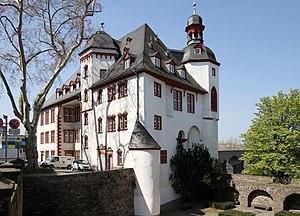 Coercion castle - Image: Koblenz, vormalige Alte Burg und heutiges Stadtarchiv