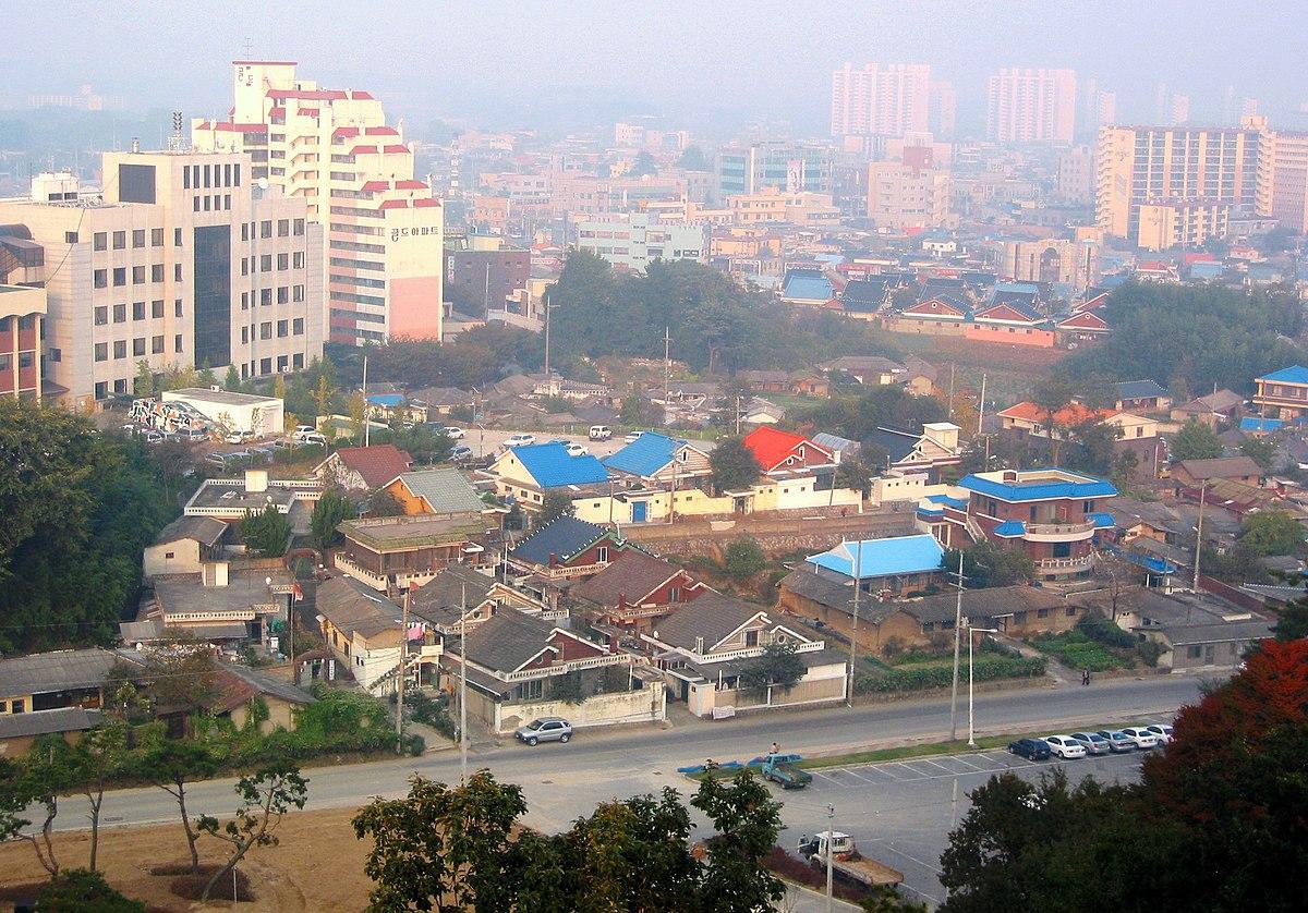 1200px-Korea-Gimje-Cityscape-01.jpg