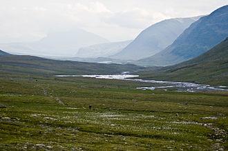 Kungsleden - The trail seen from its highest point, Tjäktja pass