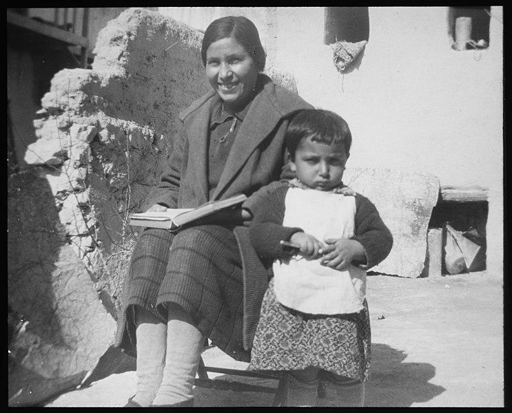 File:Kvinnelige misjonsarbeideres arbeid i Armenia - fo30141712130004.jpg