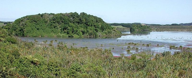 File:Lake Papaitonga.jpg