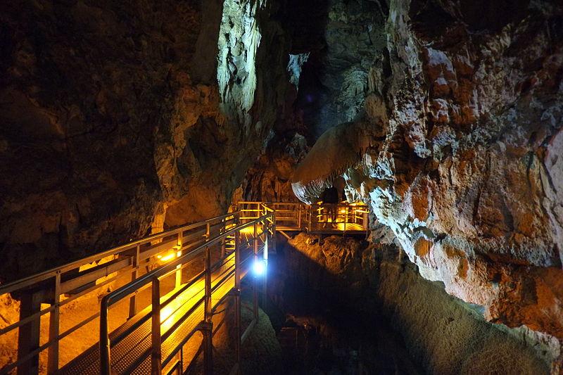 File:Lake cave (1).JPG