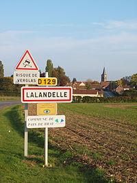Lalandelle-FR-60-panneau d'agglomération-1.jpg