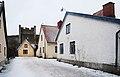 Lancastergränd, i bakgrunden syns huset Muren 14, på Norra Murgatan 36, Visby.jpg
