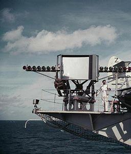 Landing mirror on HMS Albion (R07) 1954.jpg