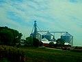 Large Grain Elevator Near DeForest - panoramio.jpg