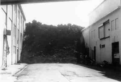Lava flow advances down a Heimaey street