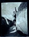 Le commandant Félix de Vial à Perthes les Hurlus avec un périscope d' observation.jpg