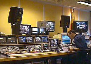 Linear video editing - High-end linear editing suite (1999)