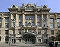 Liszt Ferenc Zeneművészeti Egyetem 2013-ban felújított homlokzata.JPG