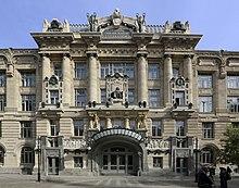 Liszt Ferenc Zeneművészeti Egyetem 2013-ban homlokzata.JPG felújított