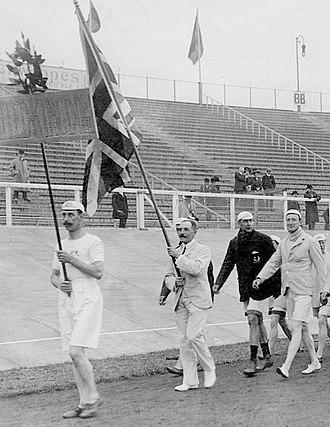 Kynaston Studd - Studd (center) at the 1908 Olympics in London