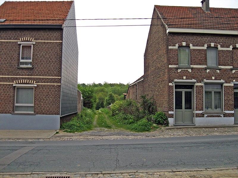 File:Loonbeek NMVB station.jpg