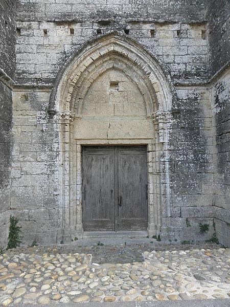 Portail septentrional de l'église Sainte-Cécile de Loupian (34).
