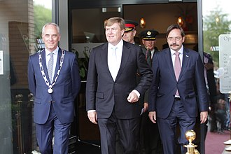 Theo Bovens - Theo Bovens (right), with King Willem-Alexander (centre) and Brunssum Mayor Luc Winants (left), 2017