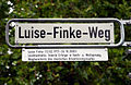 Luise-Finke-Weg, Hannover, Luise Finke (13.02.1917-26.10.2002), Leichtathletin, feierte Erfolge in Hoch- und Weitsprung, Wegbereiterin des deutschen Orientierungslaufes.jpg
