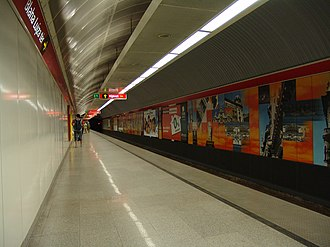 Blaha Lujza tér (Budapest Metro) - Image: M2 Blaha Lujza tér 1