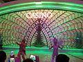 MC 澳門銀河 Galaxy Macau mall interior Nov 2016 SSG live show dancers n visitors.jpg