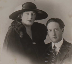 Macdonald Smith - Smith and his wife Louise in February 1923