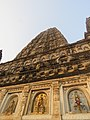 Mahabodhi temple and around IRCTC 2017 (54).jpg