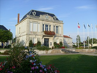 Bourcefranc-le-Chapus - The town hall.