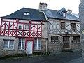 Maisons rue Saint-Jean (Moncontour).jpg