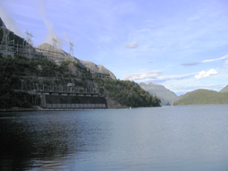Les barrages dans Google Earth - Page 8 255px-ManapouriPower