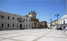 Manduria, Piazza Garibaldi