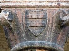 Stemma dei Bonacolsi o dei Gonzaga su una colonna di Palazzo Ducale