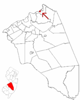 Fieldsboro highlighted in Burlington County. Inset map: Burlington County highlighted in the State of New Jersey.
