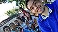 Marco Thúlio com os jovens na Praça da Matriz.jpg