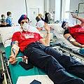 Mario Furlan, fondatore dei City Angels, dona il sangue a Milano durante la pandemia di Coronavirus.jpg