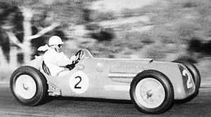 1954 Bathurst 100 - Stan Jones (Maybach) placed third and won the Scratch section