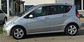 Mercedes A 160 BlueEFFICIENCY Avantgarde (W169) Facelift side 20100911.jpg