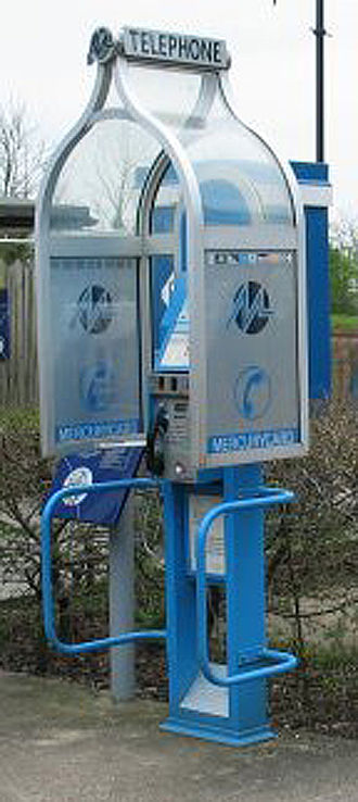 Mercury Communications - Mercury Communications payphone kiosk